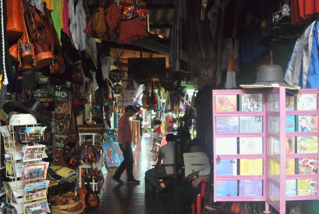 El Mercado Viejo Craft Market