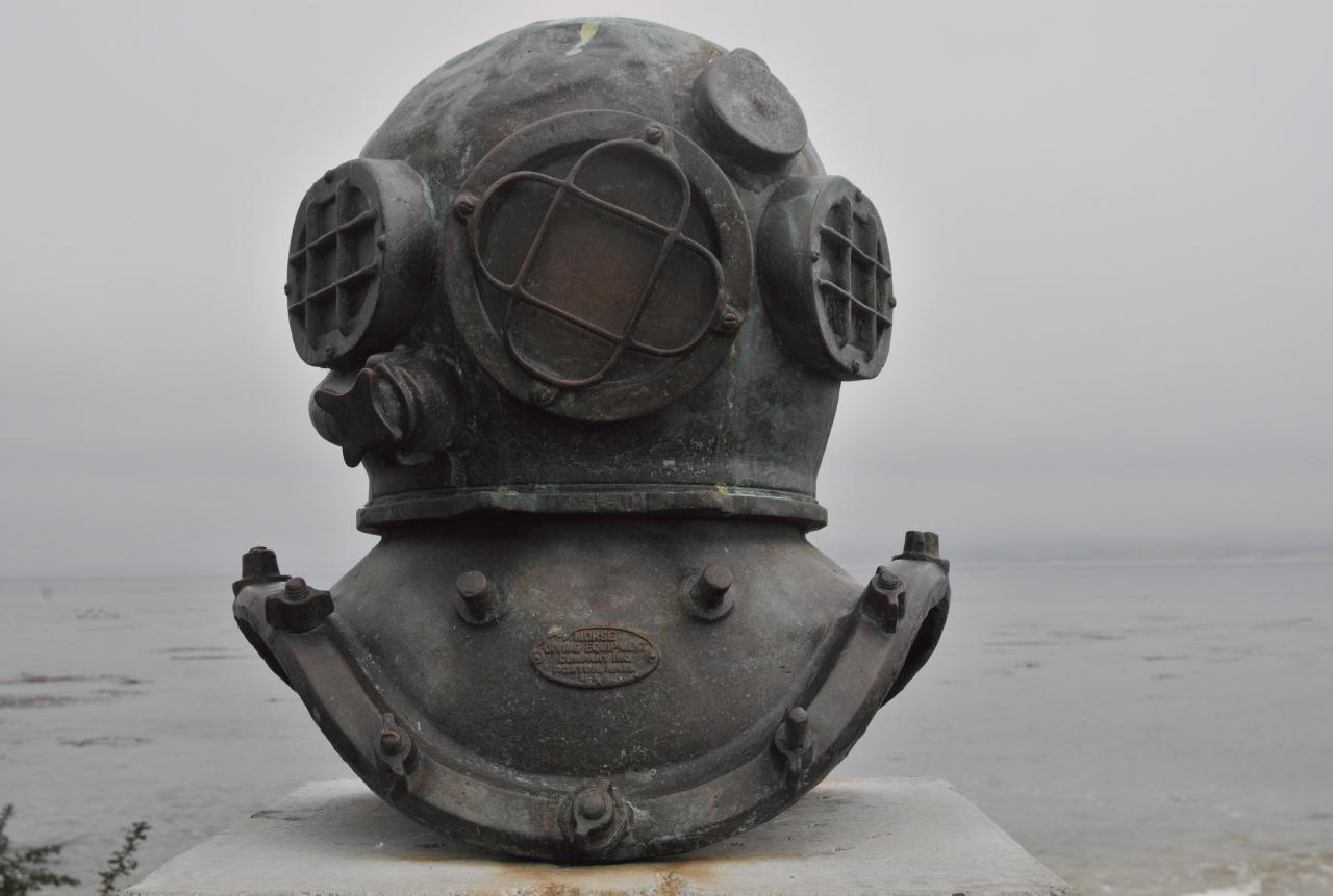 bcx news cannery row monterey cannery row monterery california 20101020 130328 bcy 1910 jpg cannery diver s helmet